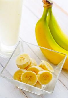 Eat bananas drink milk to sleep